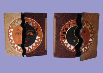 holzboxen-20x20cmrot-cremeteilweise-mit-spiegelmosaikyinyang-sonne