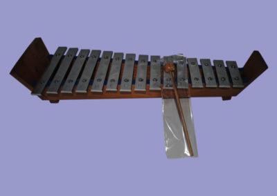 xylophon-400mm-hartholz-mit-flachen-edelstahlplatten